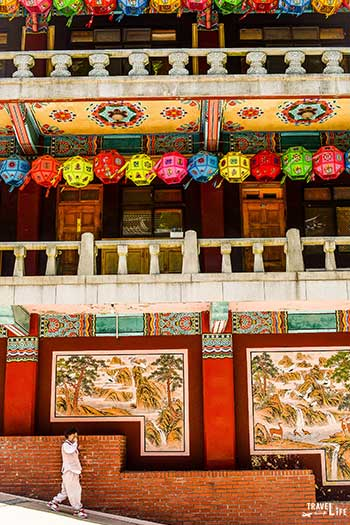 Spring Things to Do in South Korea Guinsa Temple Buddhas Birthday Image