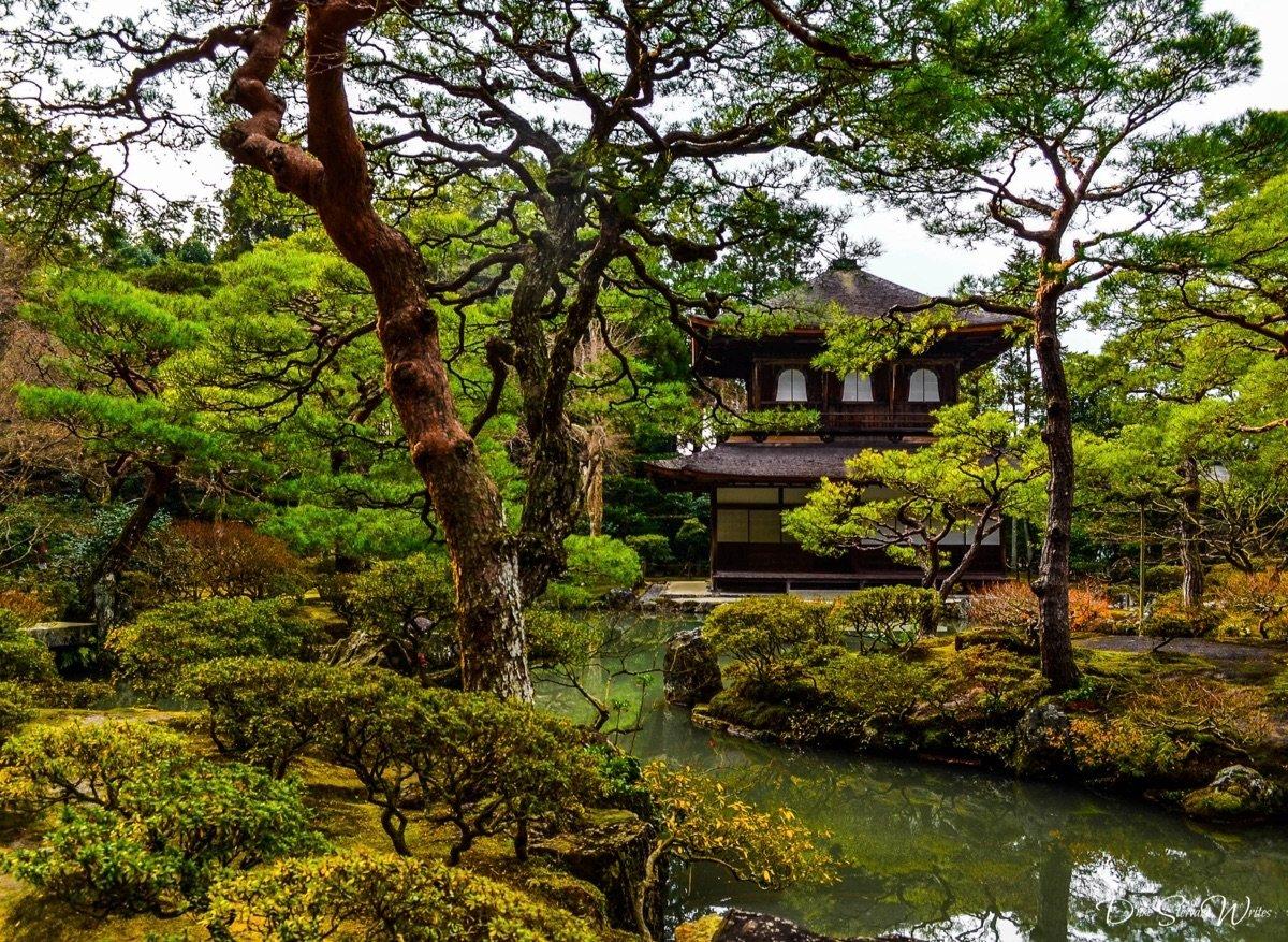Visiting Kyoto and Yoshimasa\'s Silver Pavilion (Ginkakuji)