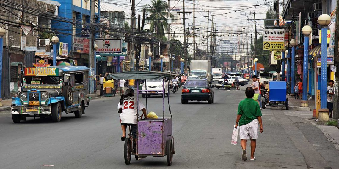 Manila Streetsby Stefan Munder used under CC BY