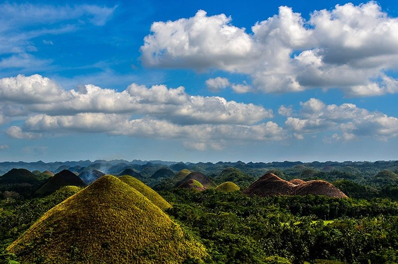 Why You Should Travel Staring at Chocolate Hills in the Philippines