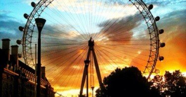 London City Guide - The Greatest Hits - The London Eye by Joanna D via Trover.com