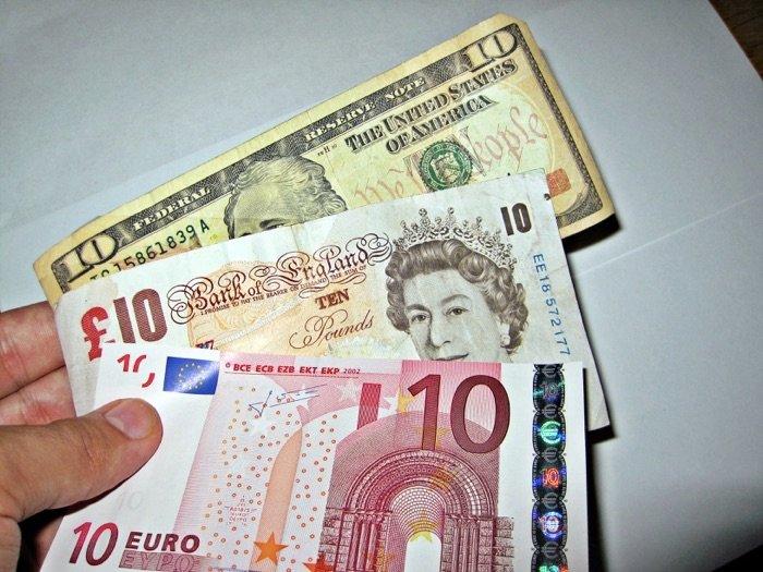 Currencies via Flickr.com