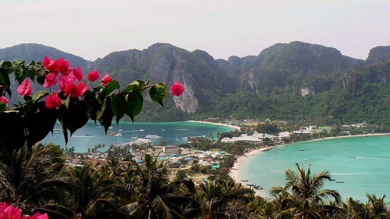 Thailand Ko Phi Phi Viewpoint Photo by Flickr User Roel van Deursen