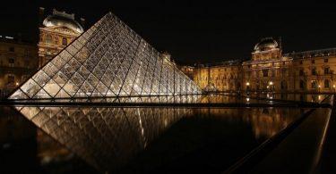 Planning a Paris Trip - Image via Flickr by photophilde