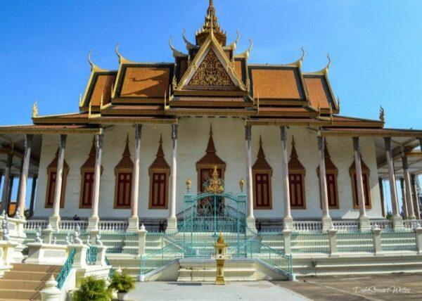 Walking around Phnom Penh Royal Palace Grounds