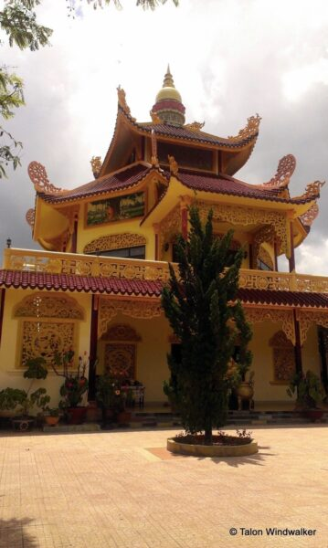 Dalat Temple Photo by Talon Windwalker from 1 Dad 1 Kid