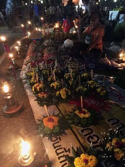 Loy Krathong Photo by Taylor from Taylors Tracks