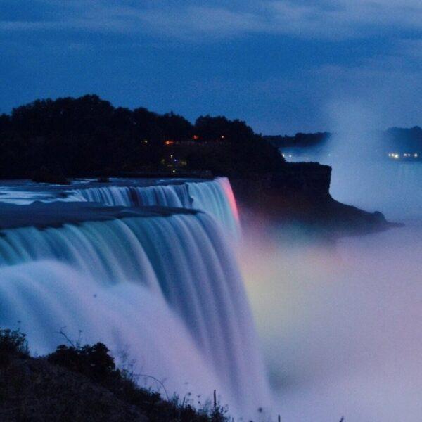 Niagra Falls Photo by Benny Goh via Trover.com