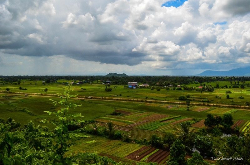 cambodia-prasat-phnom-chnork-overlook