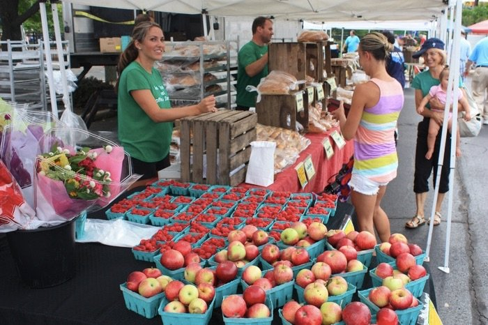 farmers-market-photo-via-flickr-by-montgomery-county-planning-commission
