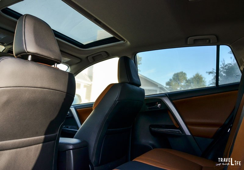 2017 Toyota Rav4 Interior And Moonroof