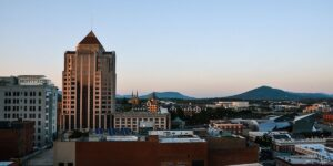 Weekend Things to Do in Roanoke Virginia Travel Guide Featured Image
