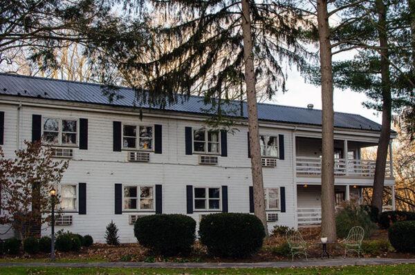 Edgewater Inn Huntingdon County PA Alexandria Image